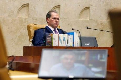 Presidente do STF durante sessão plenária por videoconferência