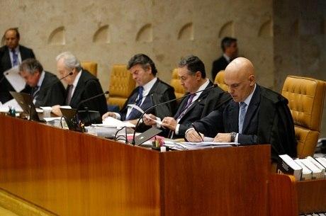 Ministros do STF se reúnem para analisar dados sigilosos