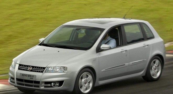 Stilo era o hatch esportivo que tinha versão Dualogic flex como um dos modelos mais caros