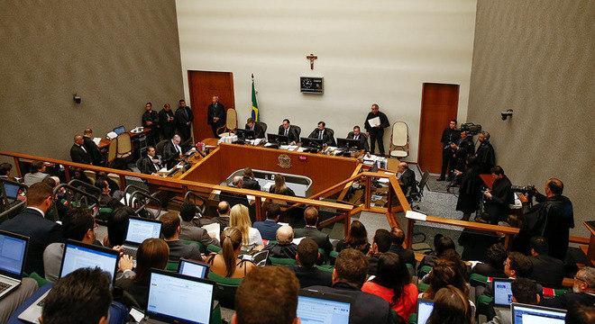 Julgamento no STJ avaliou pedido de habeas corpus solicitado pela defesa de Lula