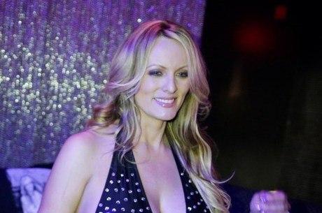 A atriz de filmes adultos diz que vai devolver o dinheiro