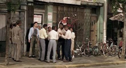 Um grupo vocal de esquina cantando nas ruas norte-americanas.