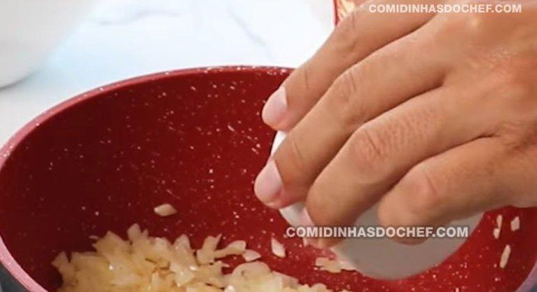 Strogonoff de Salsicha com Ketchup