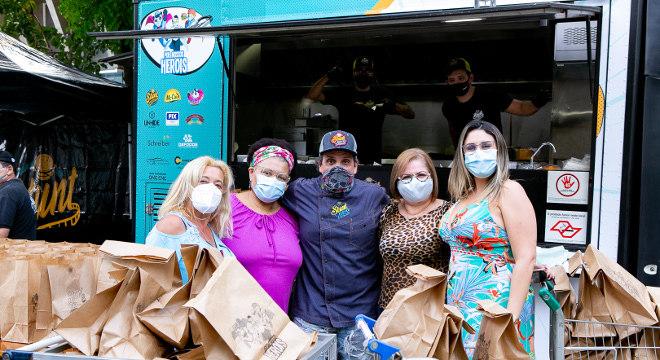 Food truck da ação 'Por Nossos Heróis'