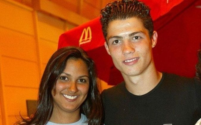 Sua primeira namorada foi Jordana Jardel, irmã do ex-atacante Jardel, ex-Grêmio e Porto, quando o português ainda tinha 17 anos.