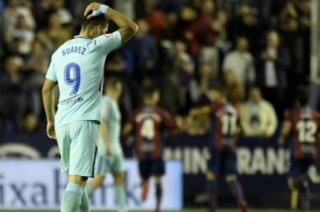 Suárez lamenta outro gol do Levante