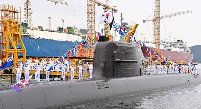 Submarino Ahn Chang-ho utilizado no lançamento do míssil balístico pela Coreia do Sul