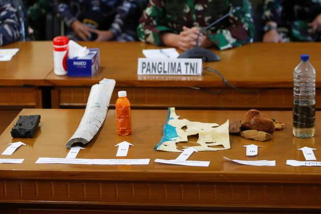 Destroços dosubmarino indonésio desaparecidoforam encontrados e autoridades militares do país confirmaram que ele naufragou