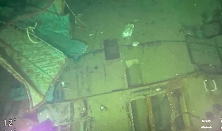 A Marinha da Indonésia divulgou no domingo (25) fotos do submarinoNanggala-402, que havia desaparecido na última quarta-feira (21) com 53 tripulantes e naufragou. Os militares encontraram o submarino a mais de 800 metros embaixo d'água e confirmaram que todos a bordo morreram