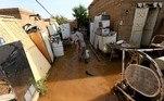O rio Nilo Azul registrou na passagem pelo Sudão uma das maiores cheias em 100 anos, inundando o centro da capital, Cartum, em meio a fortes chuvas que nas últimas semanas causaram dezenas de mortes e destruíram milhares de propriedades no país africano