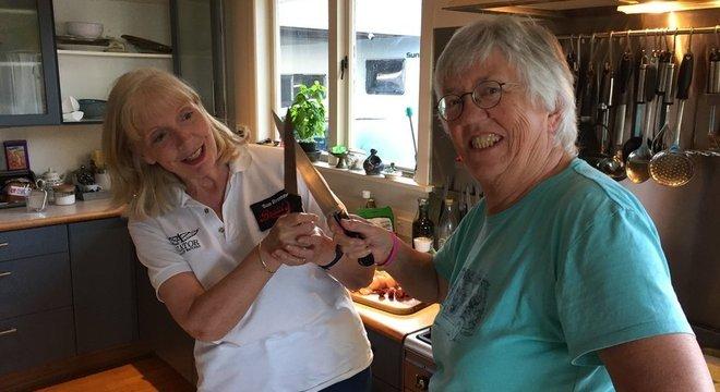 Margaret diz que agora chama a irmã de 'Sue-chef', uma brincadeira da palavra 'sous-chef'