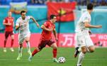 Mais cedo, Suíça e Espanha abriram os jogos das quartas de final da Euro 2020. Em um duelo dramático que foi para a disputa de pênaltis após o empate por 1 a 1, durante o tempo normal e a prorrogação, os espanhóis levaram a melhor, vencendo a disputa por 3 a 1 no Estádio São Petesburgo, na Rússia