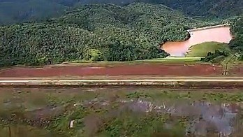 __Barragem em Barão de Cocais, em Minas, é monitorada à distância__ (Reprodução / Record TV Minas)