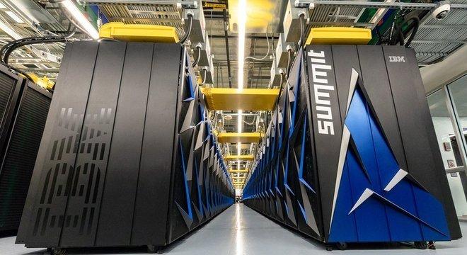 Ocupando um espaço que equivale a duas quadras de tênis, o supercomputador vai ser usado para criar modelos científicos e fazer simulações