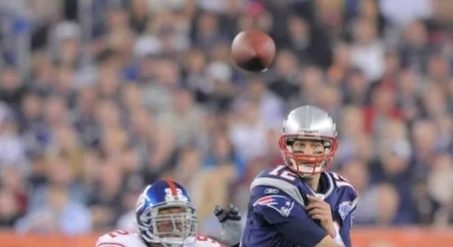 Super Bowl XLII: New England Patriots 14 x 17 New York Giants. Data: 03/02/2008. Local: Phoenix. Temporada 2007.