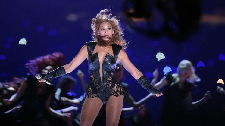 Super Bowl XLVII - Beyoncé: um dos maiores ícones culturais do século XXI, a cantora texana fez um show histórico no Superdome em New Orleans. A performance também teve participação de Kelly Rowland e Michelle Williams, cantoras que formaram com Beyoncé o grupo Destiny's Child no início de sua carreira.