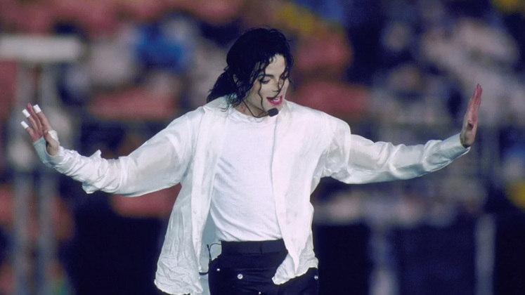 Super Bowl XXVII - Michael Jackson: o rei do pop foi o grande divisor de águas no espetáculo. Considerada uma das maiores audiências da história televisiva dos EUA, foi o ponto chave para que a NFL passasse a buscar estrelas para o show do intervalo.