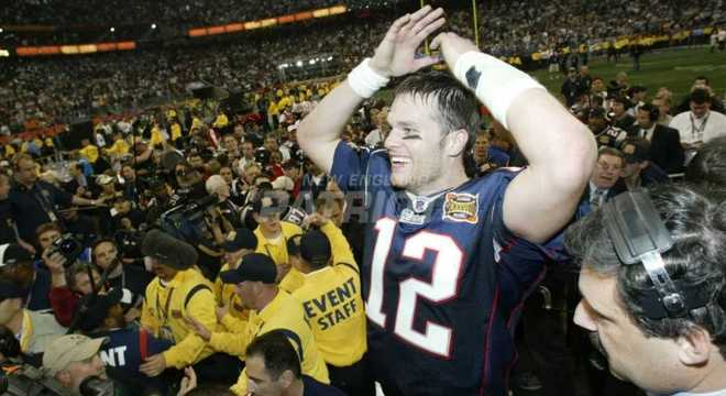 Super Bowl XXXVIII: New England Patriots 32 x 29 Carolina Panthers. Data: 01/02/2004. Local: Houston. Temporada 2003.