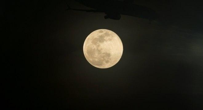 Até quinta-feira, a lua estará maior e mais brilhante para quem observar o céu