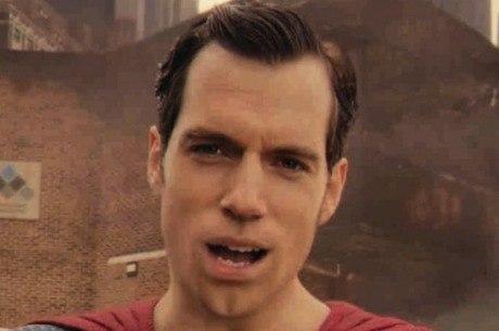 Se não arrumar a boca digital do Superman, nem precisa lançar nova versão