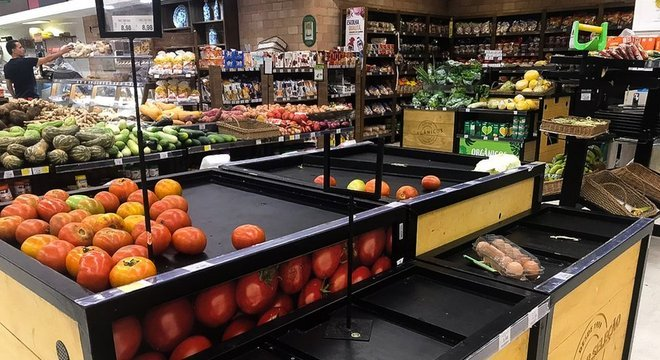 Setor de supermercados tem reforçado quadro de funcionários para fazer frente ao aumento da demanda