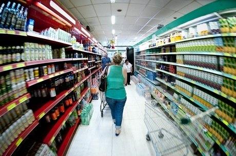 Alimentos e serviços básicos estão mais caros
