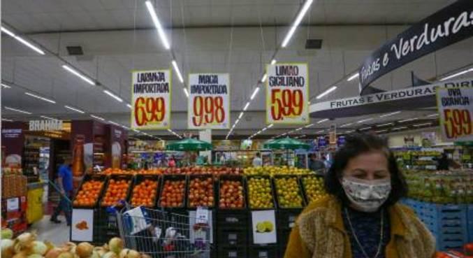 Movimentação em supermercado de Curitiba (PR)