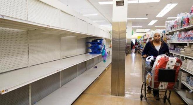 População faz estoque desnecessário de suprimentos em vários países do mundo