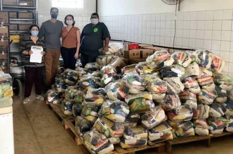 Foram distribuídos 200 toneladas alimentos