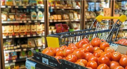 Supermercados e padarias não vão abrir no domingo