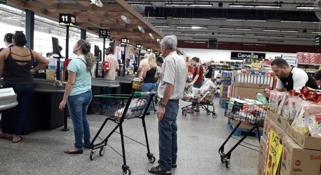 Pandemia da Covid-19 deflagrou explosão de consumo em supermercados