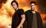 Supernatural - 15 temporadasComJensen Ackles e Jared Padalecki como protagonistas, a série de ficção conquistou uma legião de fãs ao redor do mundo, se tornando um verdadeiro fenômeno e durando de 2005 até 2020