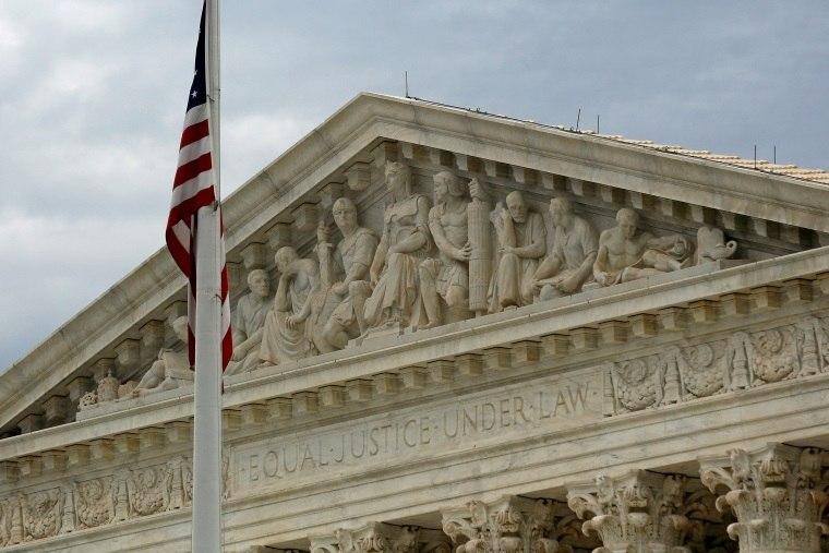 EUA: Suprema Corte analisa disputa sobre detenção de imigrantes