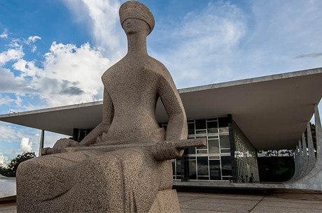 Cinco deputados foram suspensos pelo PSL
