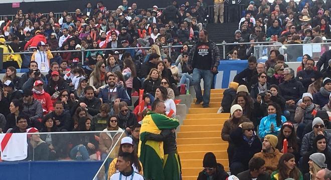 Pais da brasileira, Ana e Miguel Calmon, comemoram a conquista da filha