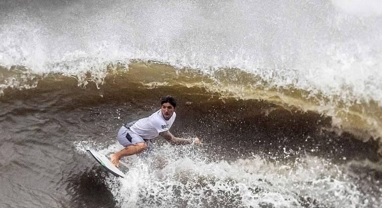 Gabriel Medina na disputa do surfe da Olimpíada