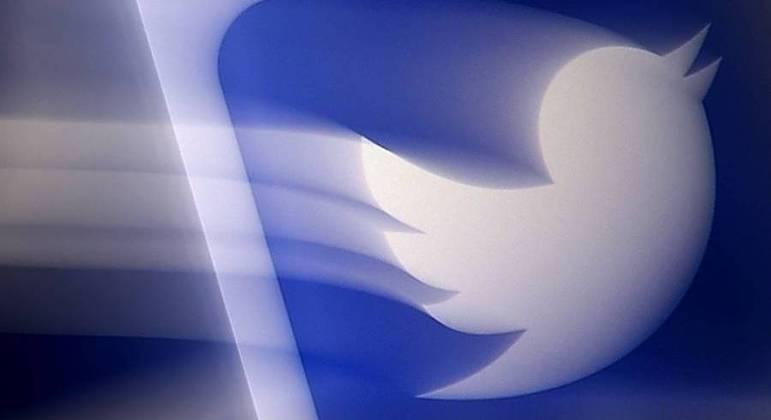 Decisão ocorre depois do Twitter suprimir uma postagem do presidente nigeriano