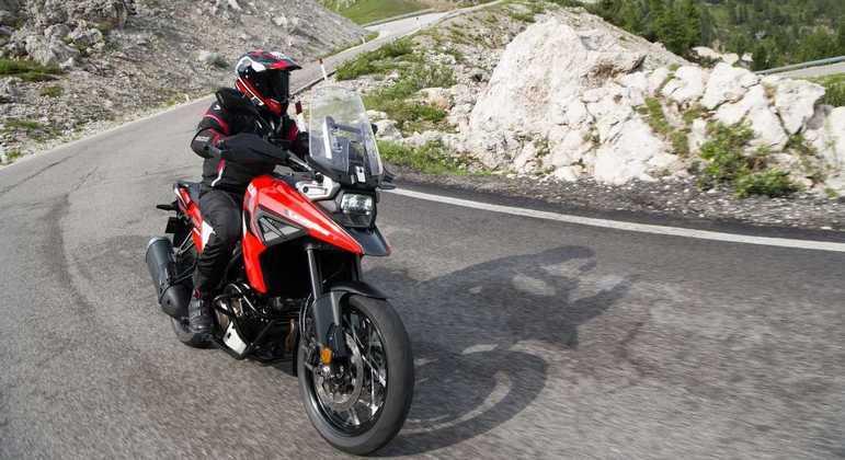 Moto tem peso de ordem de marcha de 247 kg