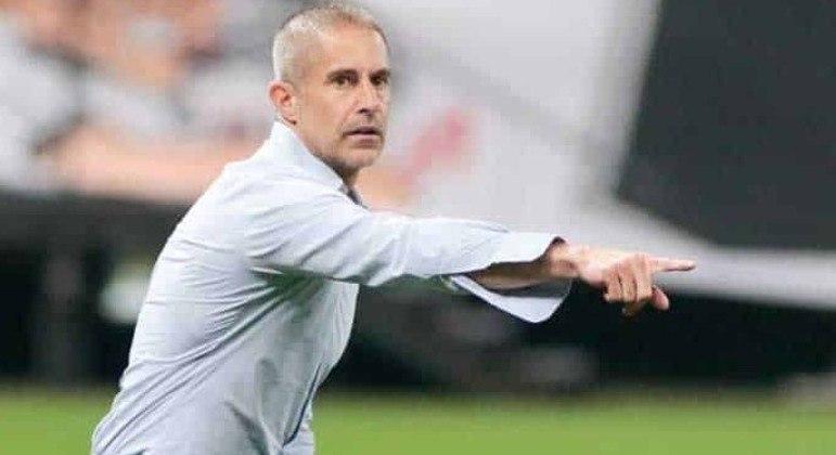 Sylvinho conseguiu arrumar o Corinthians. 9 partidas sem derrota no Brasileiro