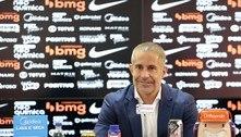 Sob suspeita, pela inexperiência, Sylvinho assume o Corinthians