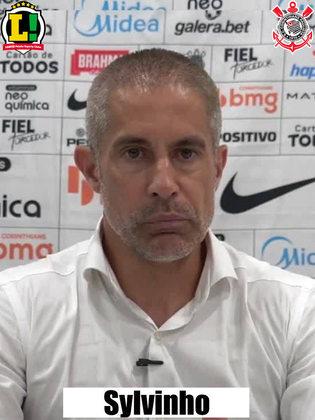 Sylvinho - 5,5 - Sua equipe entrou desatenta e acabou sendo punida em um gol com diversas falhas de posicionamento e atenção. No decorrer do jogo, as peças do Corinthians melhoraram, e criaram o suficiente para virar a partida, mas pararam em um Cavichioli inspirado.