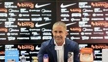 Sylvinho chega ao Corinthians e faz elogios ao grupo