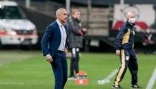 Sylvinho vê melhora do Corinthians: 'Estão assimilando as ideias'