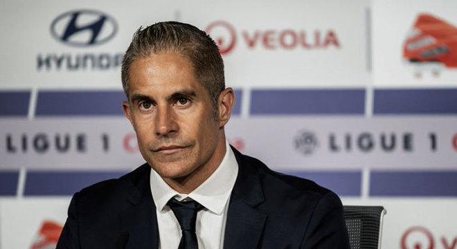 Sylvinho: Treinador brasileiro de 46 anos. Dono de grande carreira como jogador, foi auxiliar de Tite no Corinthians e na Seleção Brasileira. Com Licença UEFA PRO, virou técnico do Lyon (FRA) no ano passado, saindo em outubro.