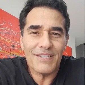 Ator fez vídeo para agradecer apoio durante internação