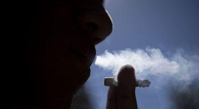 Tabaco provoca morte de 8 milhões de pessoas por ano no mundo, diz OMS