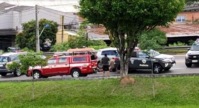 Três homens são suspeitos de roubar um carro em Taboão da Serra