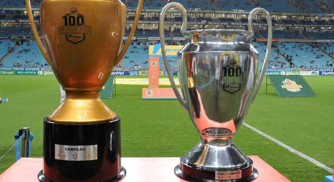 Inter deixou taça e medalhas do Gauchão na Arena do Grêmio - Esportes - R7 Futebol