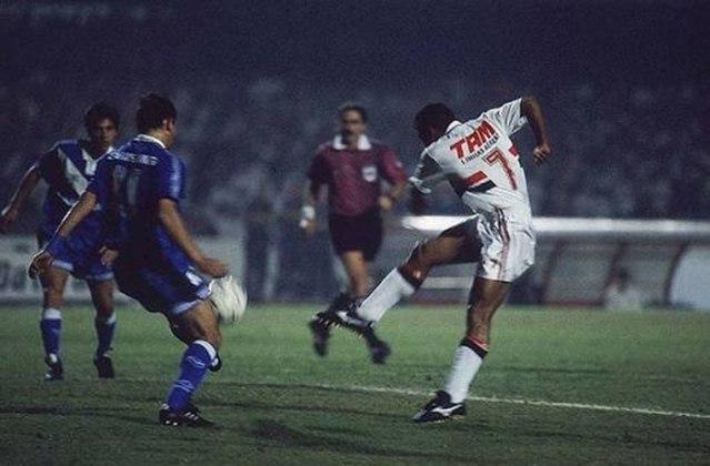 Taça Libertadores 1994 - São Paulo x Vélez Sarsfield (ARG) - campeão: Vélez Sarsfield. O Tricolor perdeu a final da competição continental nos pênaltis depois de vencer por 1 a 0 no tempo normal.