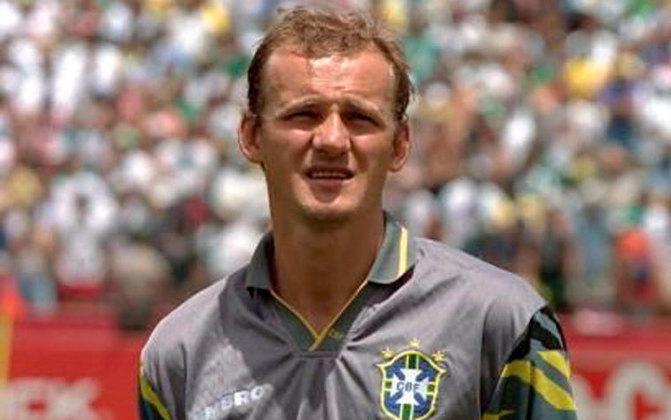 Taffarel: goleiro tetracampeão da Copa do Mundo com a Seleção Brasileira, Taffarel foi um grandes pegadores de pênalti na história e foi em uma cobrança que o famoso bordão
